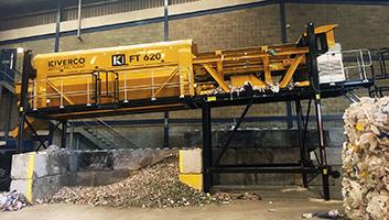 criba giratoria alimentadora para el reciclaje de madera